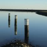 Pfosten im Nassau-Hafen von Wilhelmshaven.