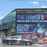 Melbourne: Umplakatierung Australian Open zu Formel 1