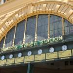 Melbourne: Flinders Street Station - Under the Clocks