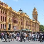 Melbourne: Flinders Street Station - Menschenmassen