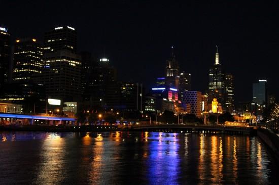 Melbourne Skyline bei Nacht