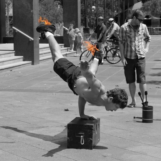 Ein Melbourner Street Artist bei seiner beeindruckenden Show