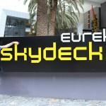 Melbourne - Ich mit dem Eureka Tower Skydeck Schild