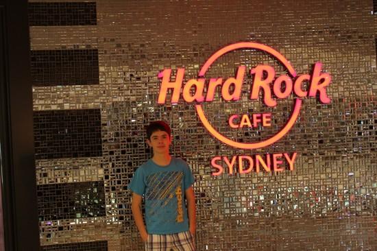 Sydney Camp 03 - Ich vor dem Hard Rock Cafe - IMG_0941
