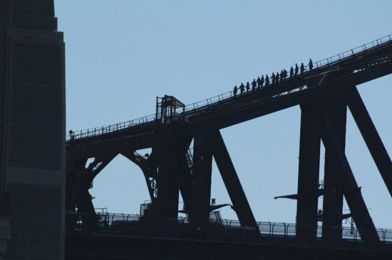 Sydney Camp 29 - Leute klettern auf der Harbour Bridge - IMG_1209