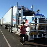 Outback - Roadtrains - Christoph Friedrich mit Zugmaschine - K-IMG_3137