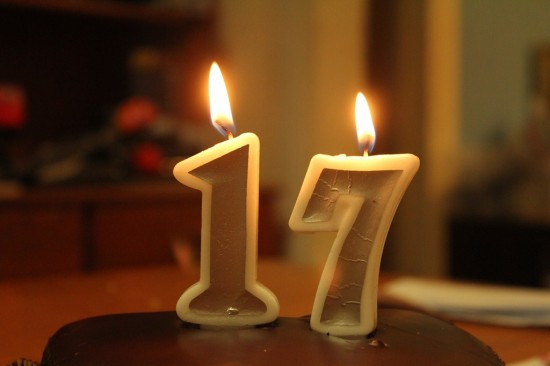 17. Geburtstag - Kerzen auf Kuchen - IMG_7314