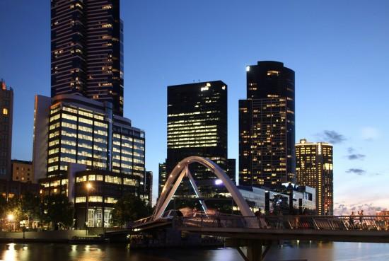 Blaue Stunde - Yarra Pedestrian Bridge und Skyline bei Nacht - IMG_7611-PS-2