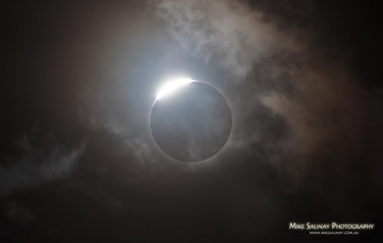 Total Solar Eclipse Queensland Australia 2012 - by Mike Salway